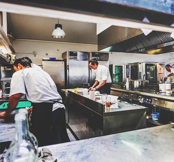 photo-cuisine-equipe